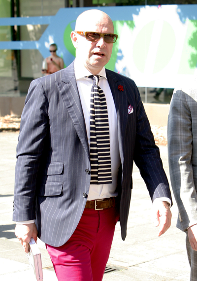 pantaloni-fucsia-uomo