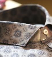 colletto-camicia-particolare