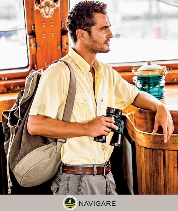 fibra-di-lino-uomo-indossa-camicia