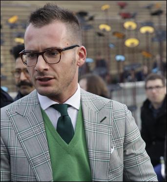 maglia-di-lana-verde-collo-v